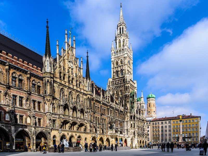 Nuevo Ayuntamiento en la plaza Marienplatz