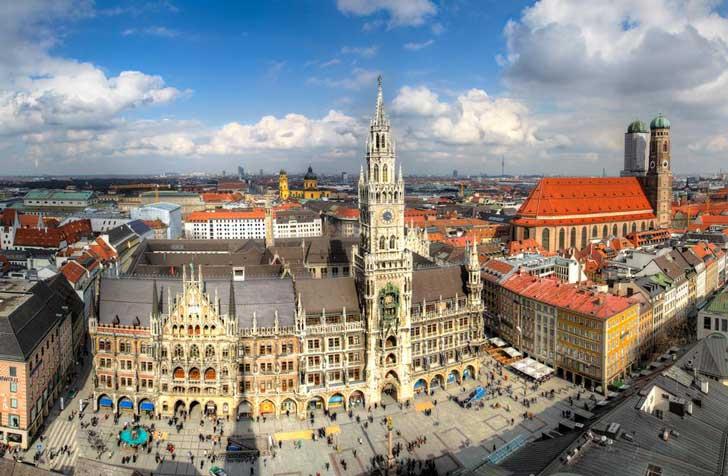 Marienplatz - Plaza central de Múnich, Alemania